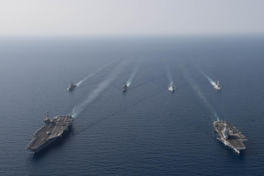 #NavyPartnerships in action! Maritime forces from #France's Charles de Gaulle Carrier Strike Group and the John C. Stennis Carrier Strike Group participated in a naval passing exercise in the #RedSea yesterday - https://www.navy.mil/submit/display.asp?story_id=109268&utm_source=twitter&utm_medium=social&utm_content=100000565957968&utm_campaign=Misc …