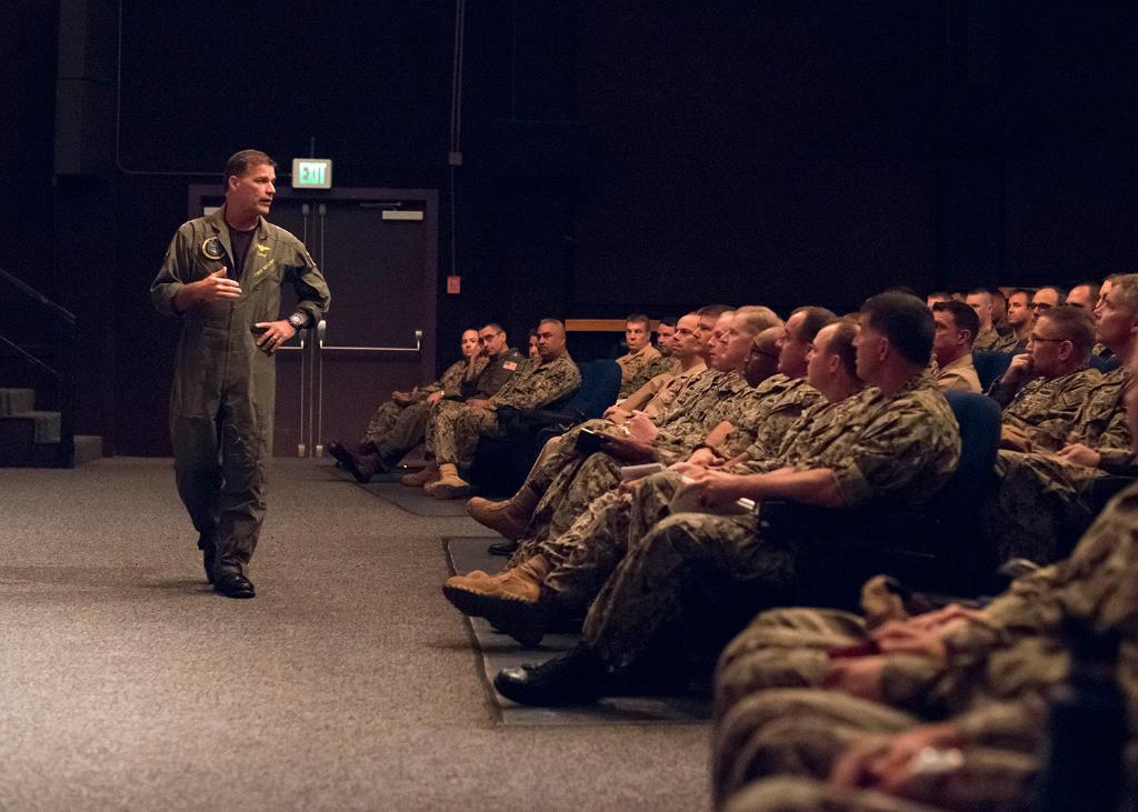 In a new era of great power competition around the world, @PacificFleet Commander talks with Hawaii-based #USNavy leadership about winning the high-end fight - https://www.navy.mil/submit/display.asp?story_id=109253&utm_source=twitter&utm_medium=social&utm_content=100000565389556&utm_campaign=Misc …