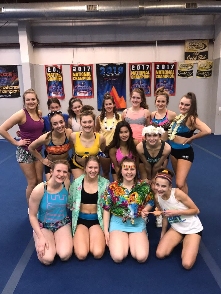 Platinum Ladies are ready to hit the beach!!  #WORLDSpractice1<br>http://pic.twitter.com/X2vKnirnDA