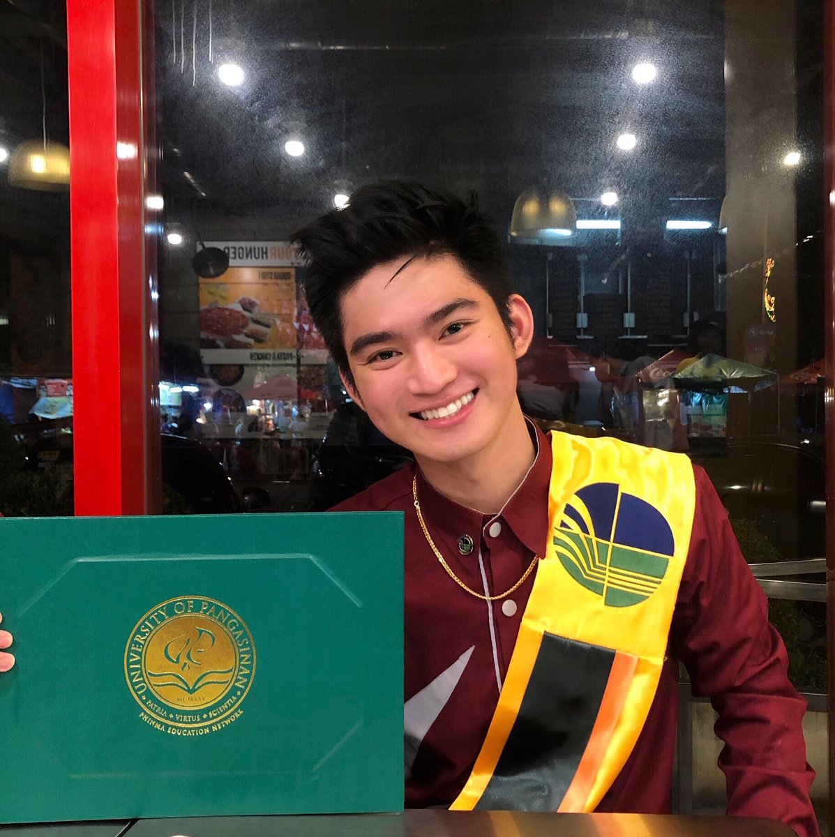 BS in Electrical Engineering  Class of 2019 <br>http://pic.twitter.com/DrgQzcKscM