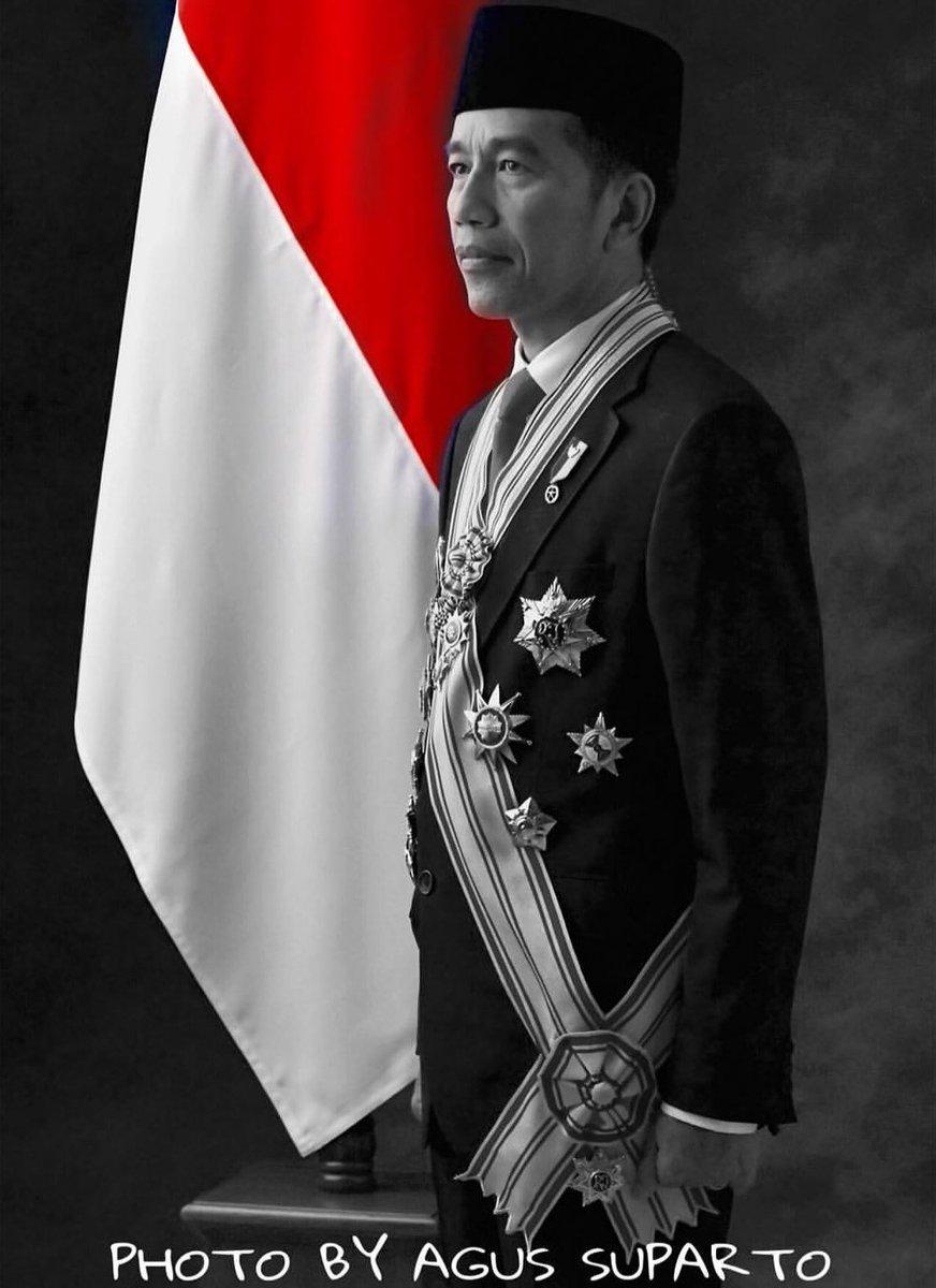 Bapak Joko Widodo @jokowi Presiden Republik Indonesia tahun 2019 - 2024. ALHAMDULILLAH | #JokoWinElection https://t.co/oPeFbsrOte