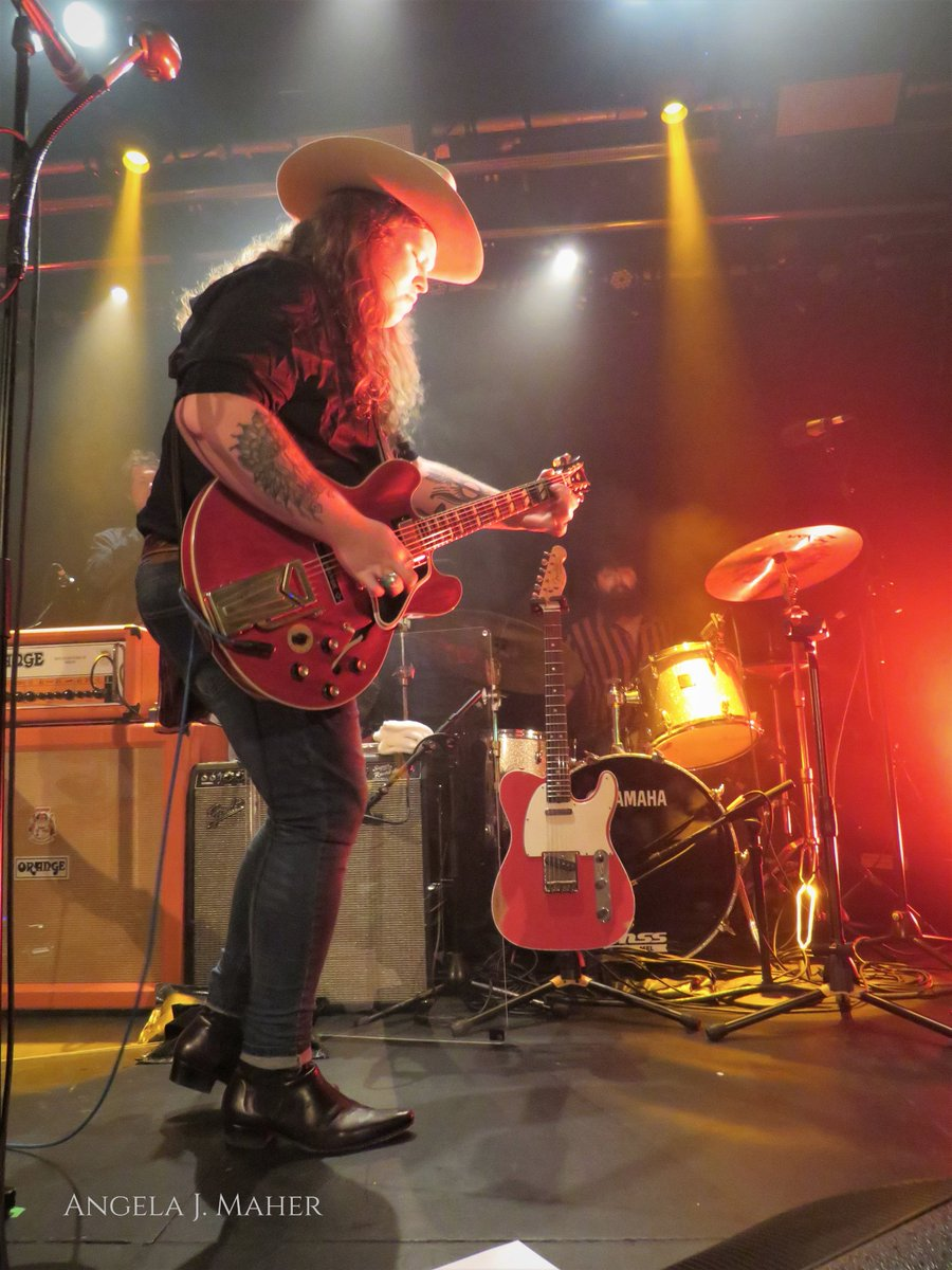 And now one from Monday night at @the_OAF when I saw the @Marcuskingband