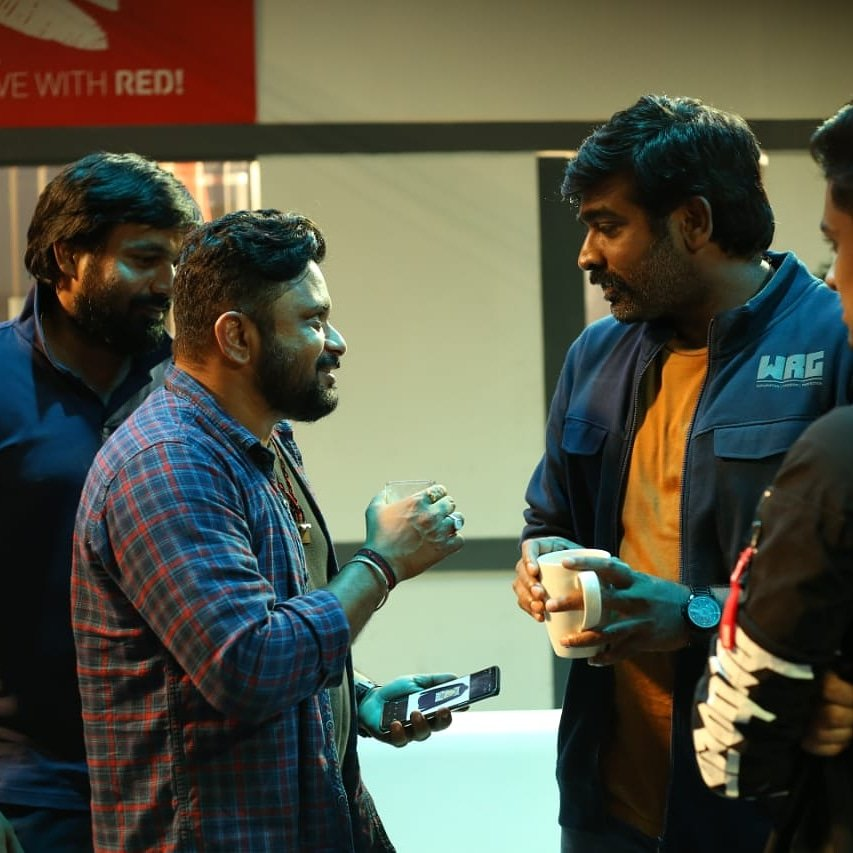 It was a pleasure to work with @VijaySethuOffl such a chilled out person ..no wonder u are called #makkalselvan #MarconiMathai #lothappensoveracoffee