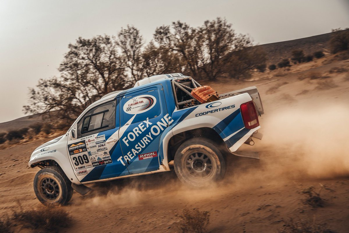 Eat my dust! Hennie and Johann gunning it in Stage 3.  #MoroccoDesertChallenge #MDC2019 #TeamTreasuryONE<br>http://pic.twitter.com/1jHFL2JDEn