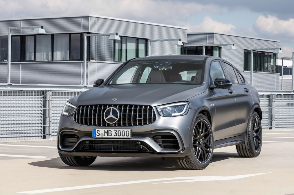029d64f5 the new mercedes amg glc63 s grille is now even bigger thanks to its mid  life