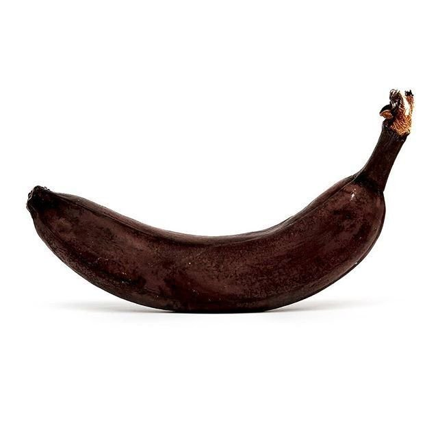 Ready for the bin? Actually, no! Under the black peel, you'll likely find a ripe banana 🍌 that is fine to eat! Peel before you throw!   Let's respect our food.   #BananaDay #foodwaste #ZeroHunger