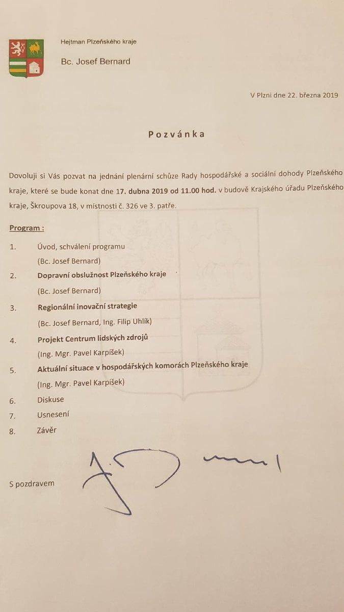 V Plzeňském kraji zasedá krajská #tripartita. Hlavním bodem jednání je oblast veřejné dopravy. Prezentace se zhostil hejtman p. @BernardHejtman. Kraj vysoutěžil férové ceny a uzavřel kvalitní smlouvy na dopravní obslužnost. Řeší se vlaky, autobusy, ale i zlepšování stavu silnic.