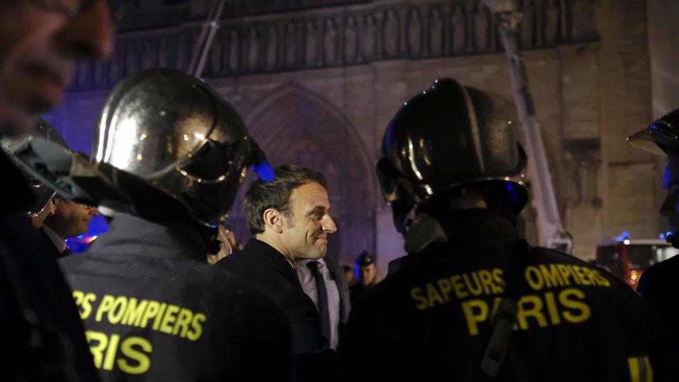 Deanna Bollo's photo on #Macron