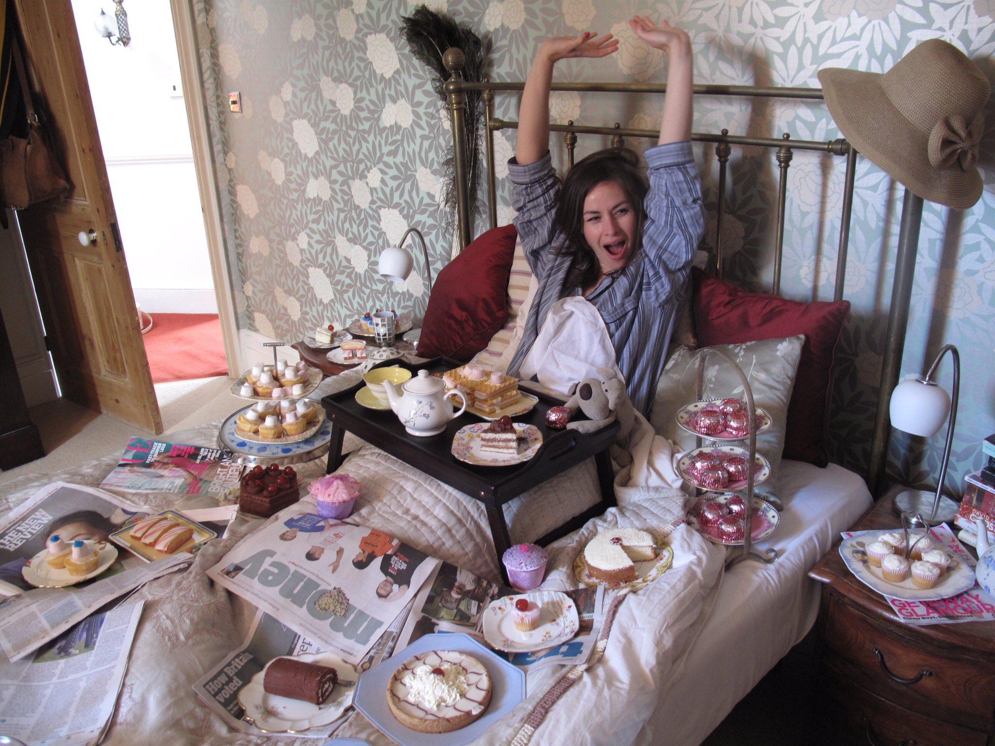 Прикольная картинка завтрак в постель, девочке лет картинки