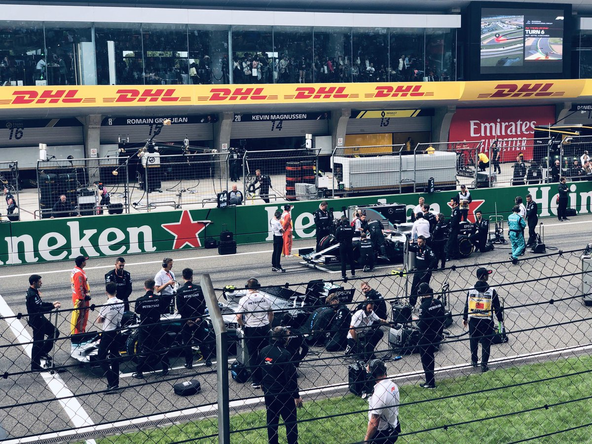 #Race1000 #chinesegp 🇨🇳 My refreshments in life every year🥰 You guys made a brilliant Silver Race1000🏆🍾😉 Proud to be your fan! Thank you so much @mercedesamgf1 #thebestteamever 😘💙 It's really excited to meet you again👋🏼 Good luck for season2019, champion💪🏼🙏🏻