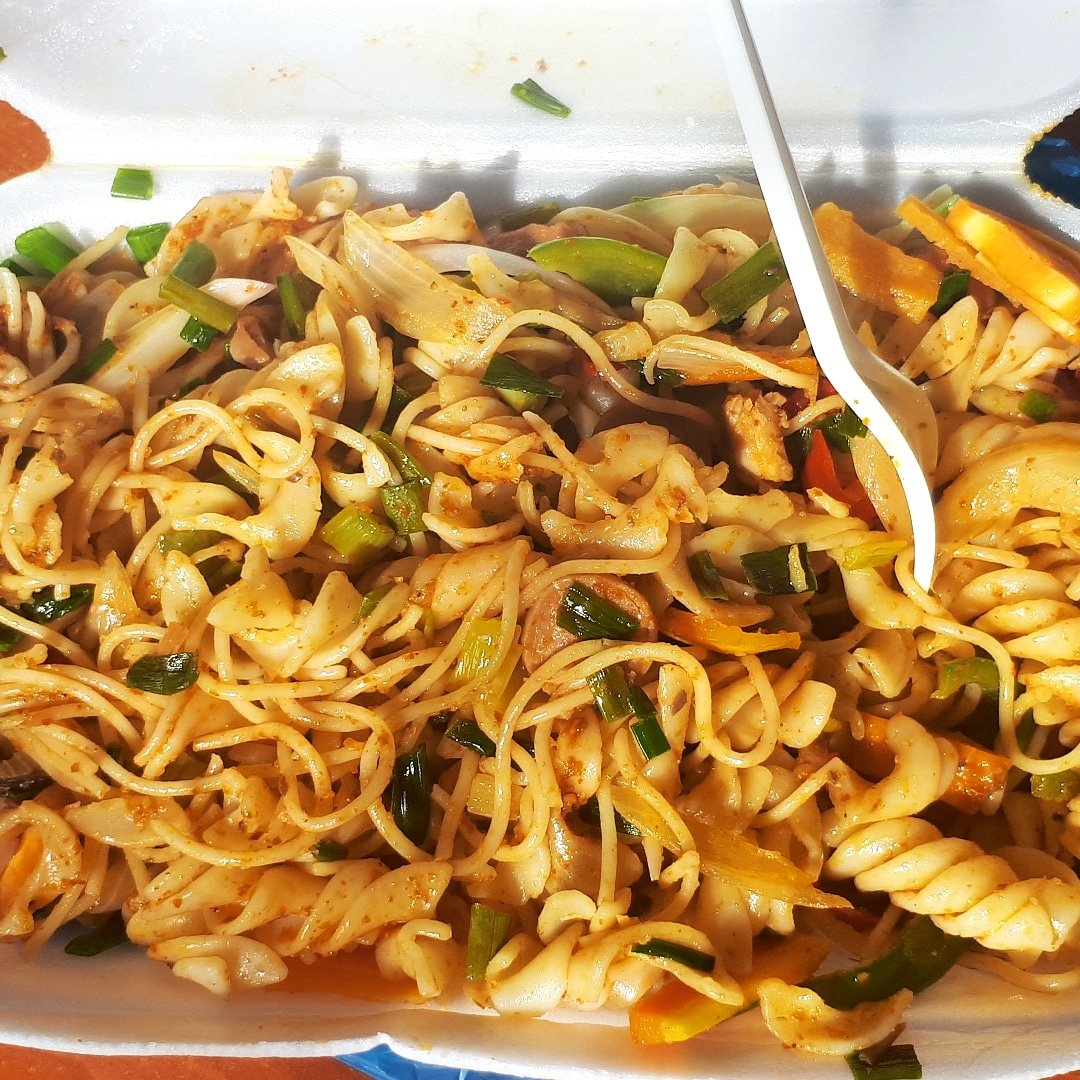 What&#39;s for lunch? #Afoleymoments #noodles<br>http://pic.twitter.com/NZ1cwAZu6N