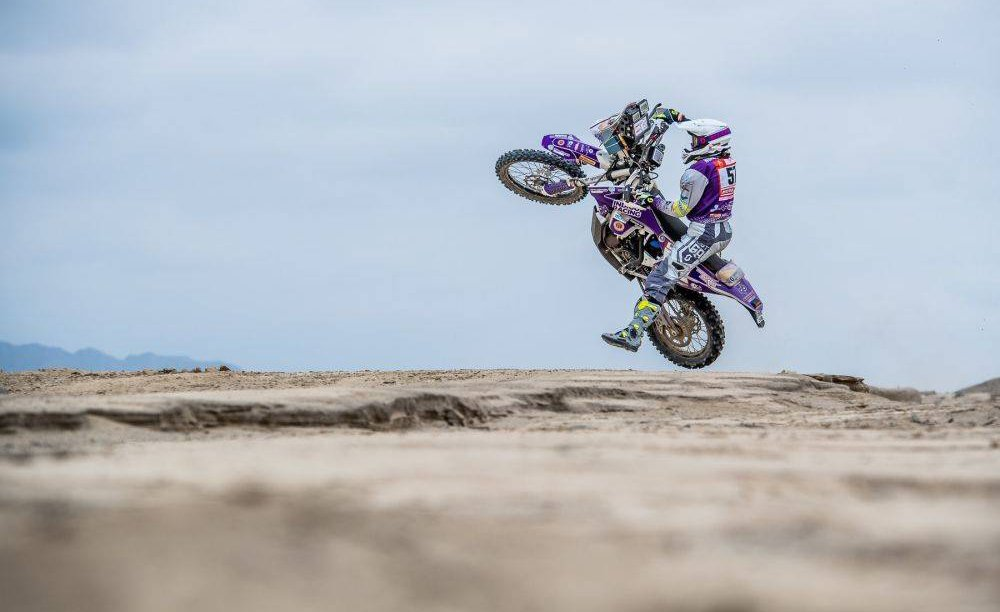 The Dakar Rally Is Moving To Saudi Arabia -  https:// blog.motorcycle.com/2019/04/17/eve nts/the-dakar-rally-is-moving-to-saudi-arabia/ &nbsp; … <br>http://pic.twitter.com/hxZLk0ymRx