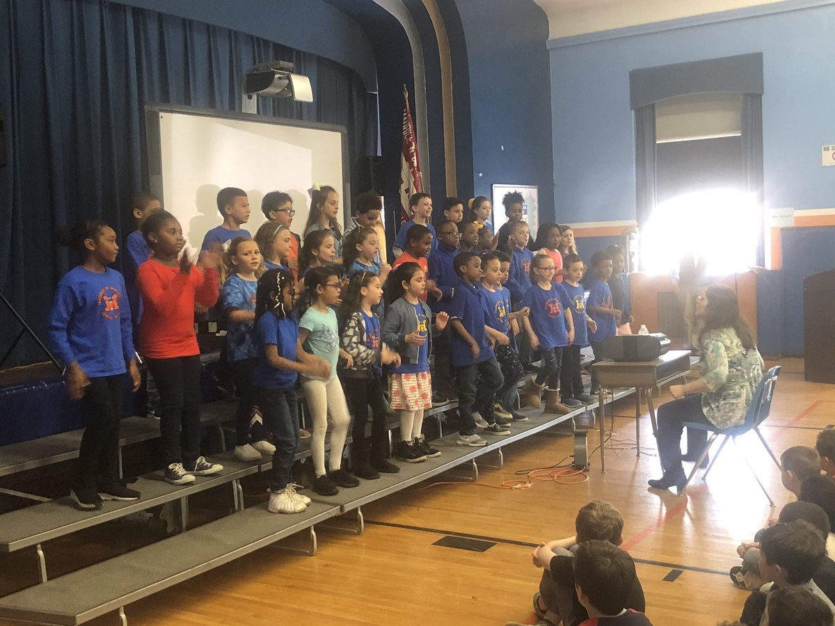412544d13bb 2nd grade Glee Club performing  MWDPrimary  wecan  gomules  MalverneUFSD   mr tallon