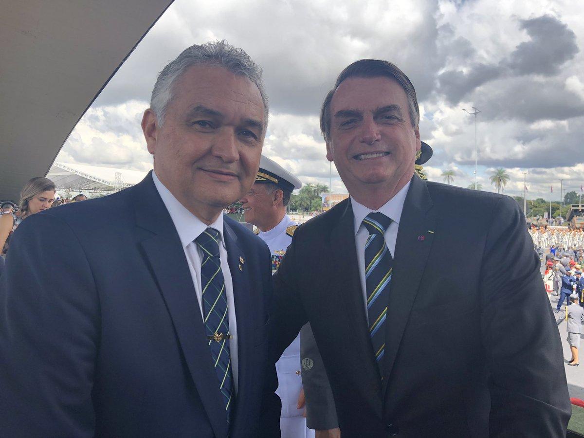 """🇧🇷🇧🇷🇧🇷General Girão Monteiro on Twitter: """"Uma amizade construída  dentro de princípios e valores da caserna. Hoje, estamos numa Missão de  Resgate do Brasil. Obrigado, Presidente Jair Bolsonaro!…  https://t.co/TK46BIP20O"""""""