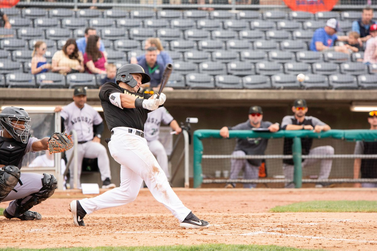 #BOBBYBOMB 💣💣  @BobbyHoneyman goes yard for the second time this year (358 feet) in the fifth, and we now lead it 7-1! #PowerUp https://t.co/nZwzIGqnbm
