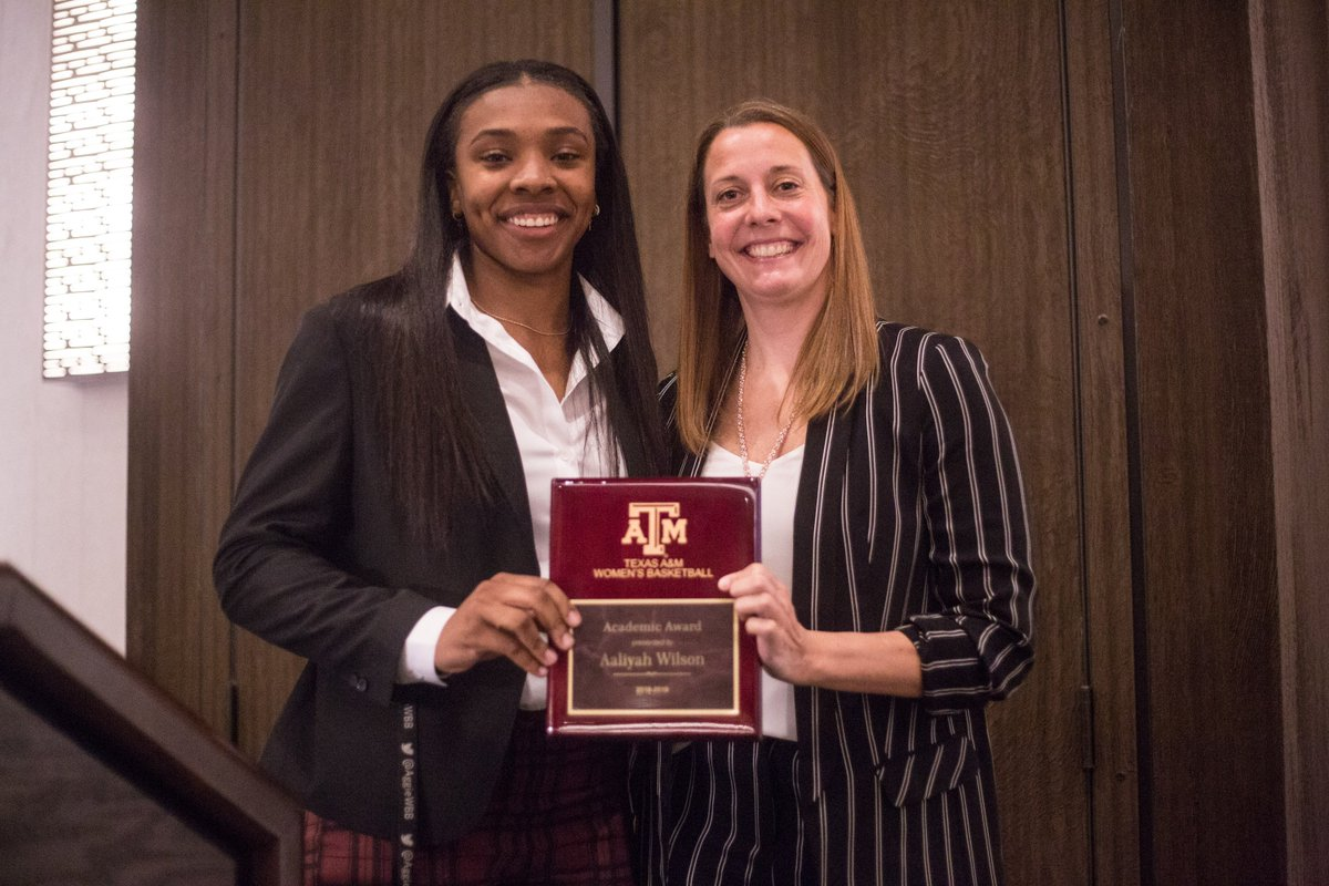 """Putting the """"A"""" in Student-Athlete 📝🍎  Despite a season-ending injury, she stayed the course and posted her highest GPA. The true definition of putting student first.  This year's Academic Award winner: @aaliwilson2 🏆"""