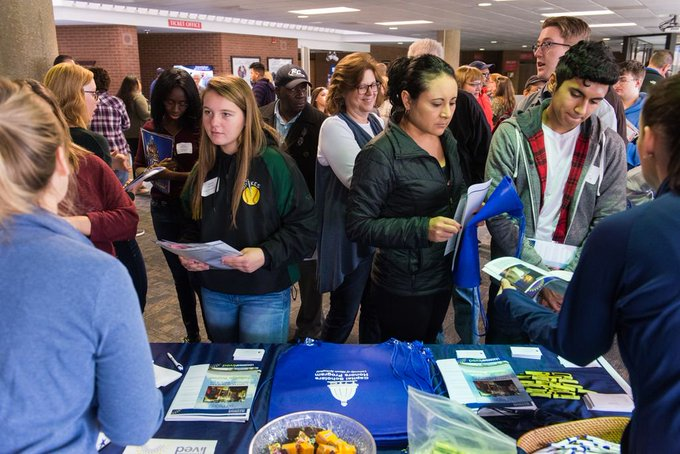 Learn about #UISedu! We're holding a Preview Day for prospective freshman, transfer, graduate & online students on Sat., April 27 at 10 a.m. at the @UISUnion. Meet with UIS staff & faculty, learn about programs and get your questions answered! Learn More: https://t.co/t1tPh408yx https://t.co/Wi1pPZbcLf
