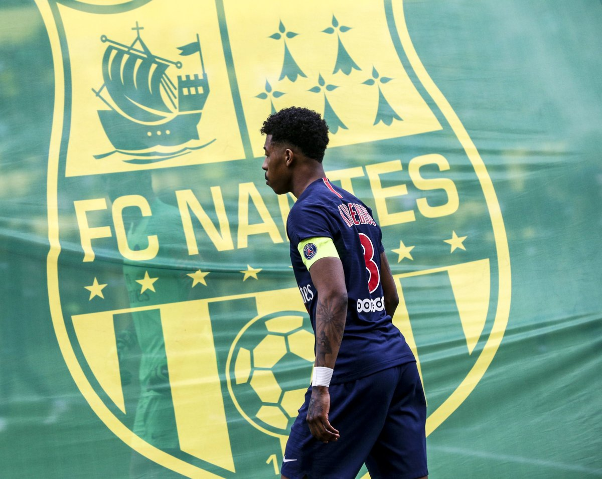 Proud of our new captain for tonight's game! @kimpembe_3 👏 #FCNPSG   🔴🔵 #ICICESTPARIS