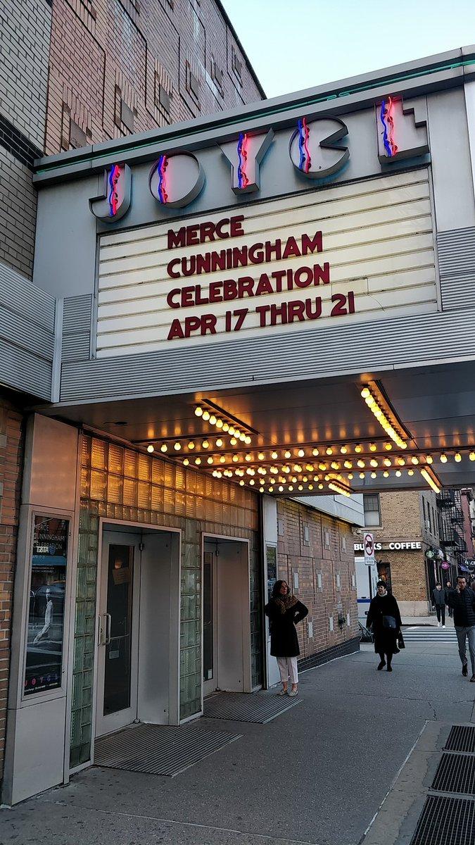 Première de Suite for Five ce soir à New-York  au Joyce Theater par la compagnie du CNDC / Robert Swinston  #MerceCunningham  #cndcangers  #cultureangers  #JoyceTheater #suiteforfive  #MERCE100  #MERCEDAY