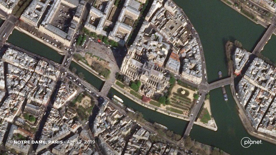 Нотр-Дам де-Пари. Вид из космоса