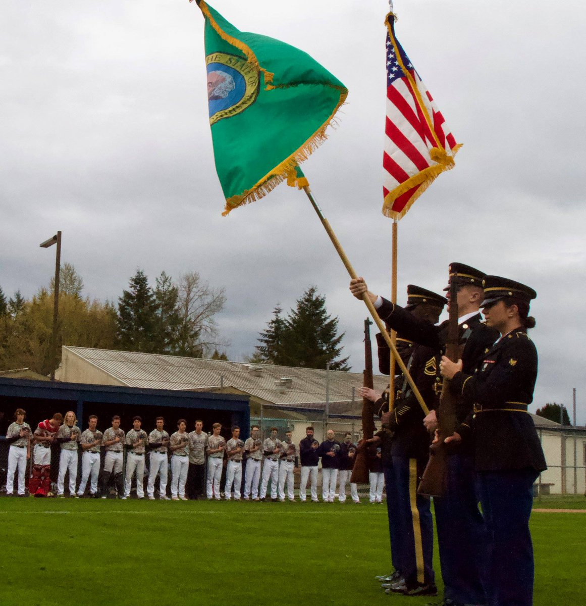 #Bayonet Division Color Guard participated in Olympia HS&#39;s Military Appreciation Day, April 17. The event recognized Col. Bruce P. Crandall, a Medal of Honor recipient, at the school&#39;s baseball field named in his honor. #TrustInMe #ArmyValues #MeetYourArmy @FORSCOM @USArmy<br>http://pic.twitter.com/4ez5WEMx77