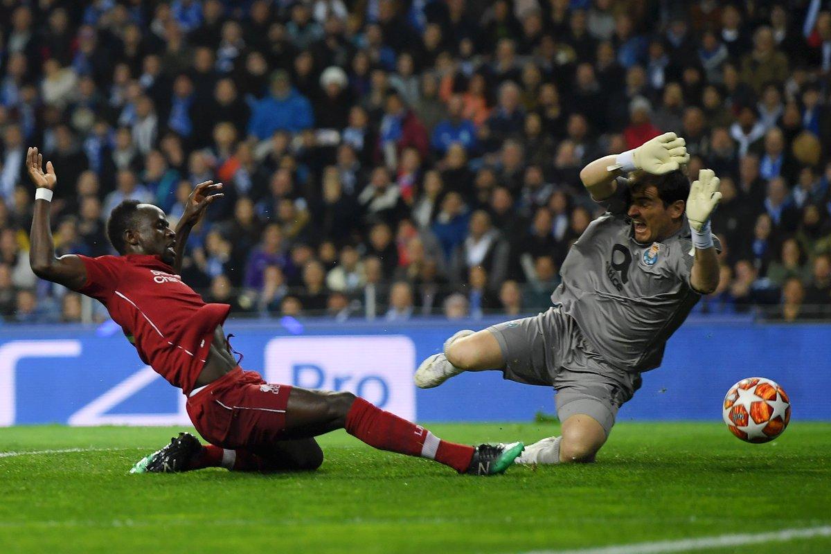 Un paseo, Liverpool goleó 4-1 al Porto y accedió a las semifinales de la Champions League (Video) D4YPniJX4AAo7nz