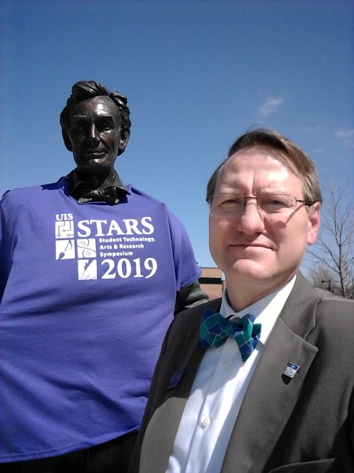RT @DungeyChem: #UISSTARS starts today! Learn #UISresearch with Lincoln. https://t.co/bOUU8OF4xA https://t.co/r71iyPs29G