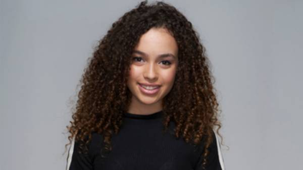 Deeply saddened by the passing of CBBC actress Mya-Lecia Naylor - although just 16, what a legacy she&#39;s left for CBBC fans all over the UK who watched and loved the TV shows she starred in.   Rest in peace sweets <br>http://pic.twitter.com/vFcPdJhKLe