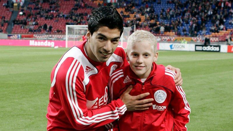 "Ajax Youth Academy on Twitter: ""Suarez back in the day with last nights  goalscorers Donny van de Beek and Matthijs de Ligt. #UCL… """