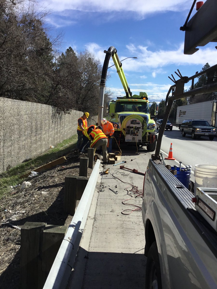 Guardrail Repair Continued Today Along I 90 Wb Sunset Hill Crews Continue To Remove Damaged Posts And Railings Replace With New Ones