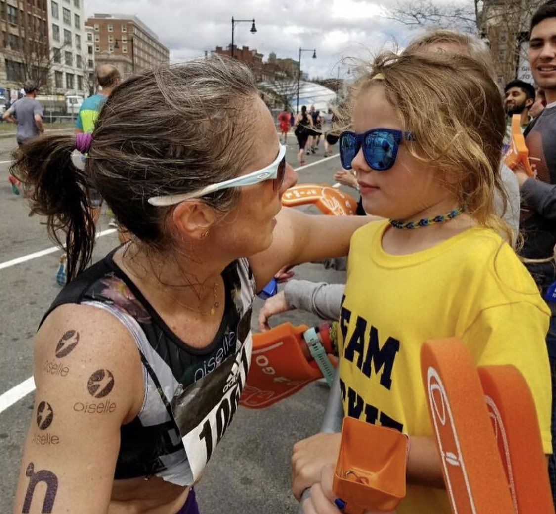 This pic got me all choked up @JackieGruendel. You're in our eyes no matter the pace. #BostonMarathon #Boston2019 #WomanUp<br>http://pic.twitter.com/9mnY9DYGXh