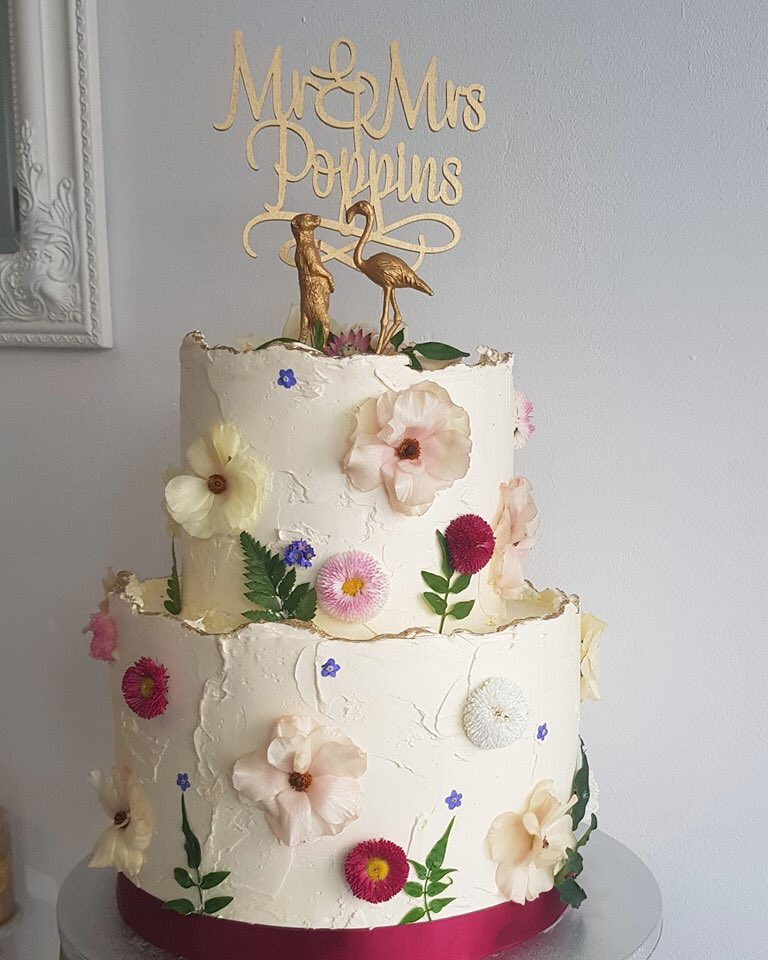 Ugh I love my friend's cake arts.https://instagram.com/lepompom_cupcakes… And she always made them with love, not too sweet, overall just right on point. #CologneFoodGuide pic.twitter.com/x0CUOMb61a