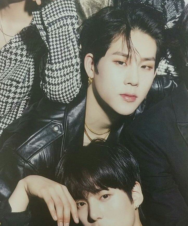jooheon for japanese magazine KPOP ぷあ Vol.6 ©owners<br>http://pic.twitter.com/SDCNnhgBX3