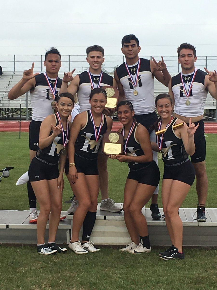 District 31 &amp; 32 Area Meet Boys &amp; Girls 4x100 Meter Relay Champions!!! Great Job! Go Horns Go!!  Jonavan Gonzalez, Zach Treviño, Eli Naranjo, &amp; Isaac Dominguez  Kaitlyn Holbein, Nadine Ruiz, Arelee Serna, &amp; Makayla Henry <br>http://pic.twitter.com/gZTs40ygDW