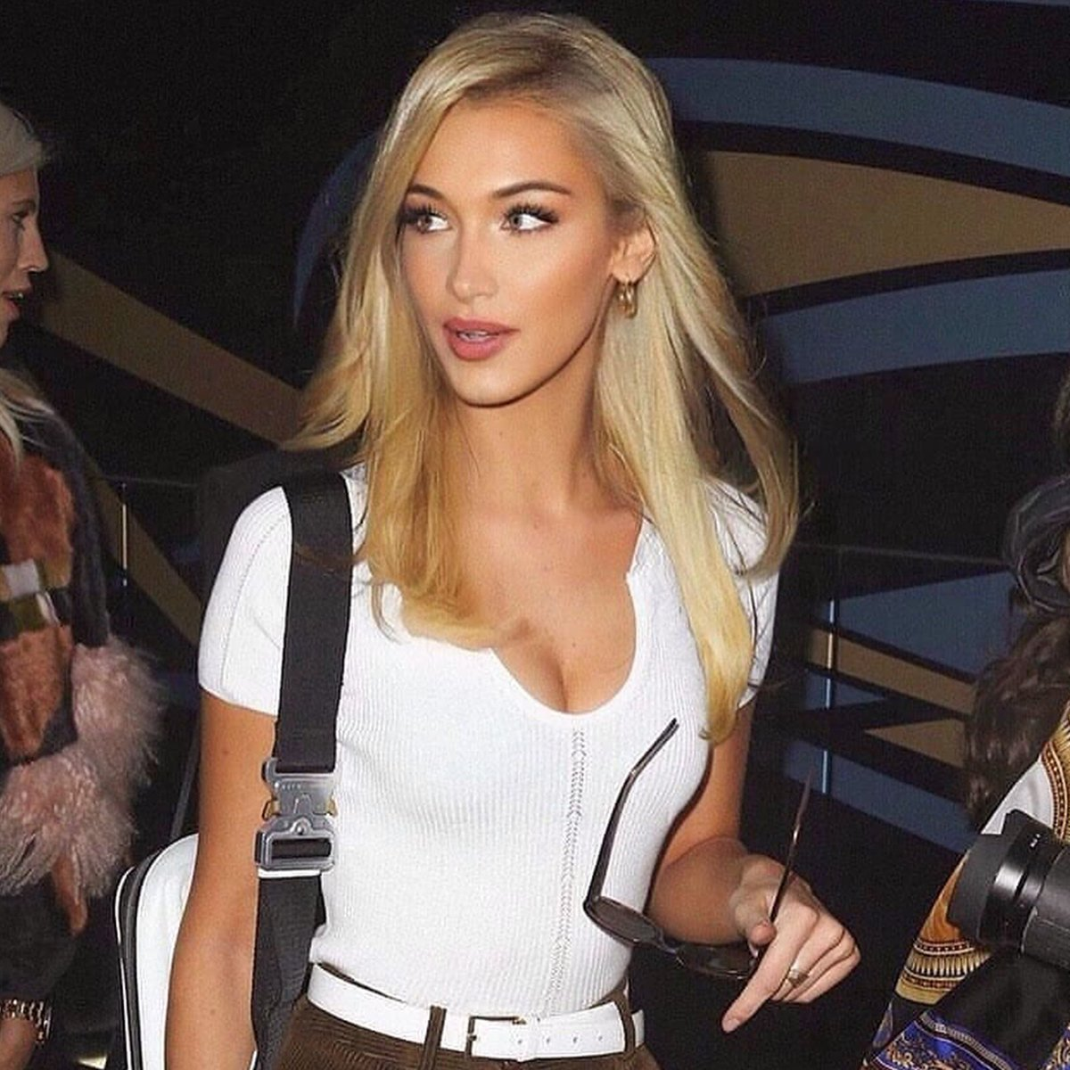 Oh Polly On Twitter Okay Bella Hadid As A Blonde Issa Look
