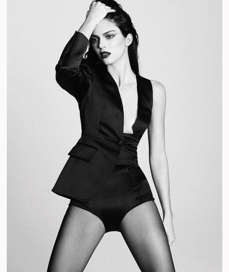 Loveyourlegs On Twitter The Stunning Kendalljenner Shooting For Vogue Wearing Sheer Tights Socks Kendalljenner Sheer Tights Socks Hosiery Legs Stunning Model Tbt Vogue Voguerussia Https T Co Syrtiynse0