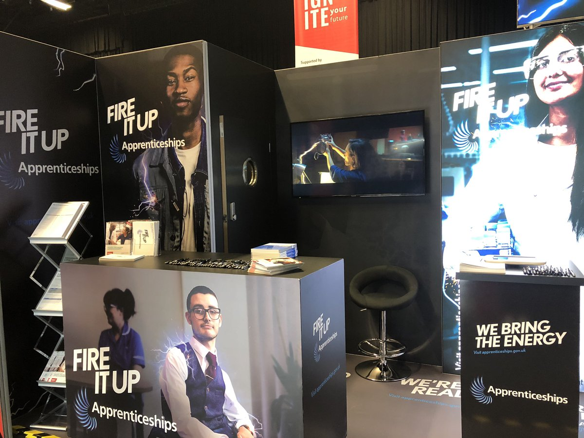 It's another UCAS day! We're at Brighton Centre today ready to talk all things @Apprenticeships! If you're heading to the Sussex #UCAS exhibition, come talk to us at stand 145! #apprenticeships #FireItUp