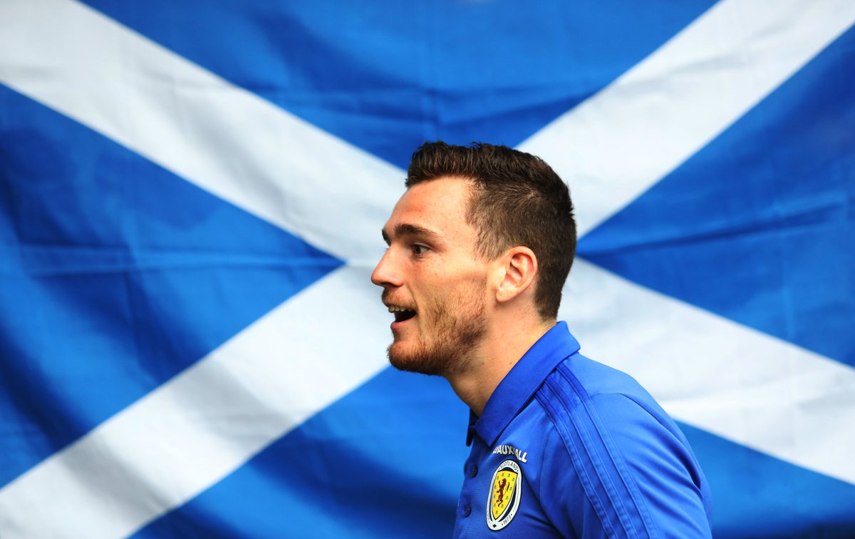 2010 – @andrewrobertso5 is the first Scottish player to be included in the PFA #TOTY since Darren Fletcher in 2009-10. Clan. #PFAawards