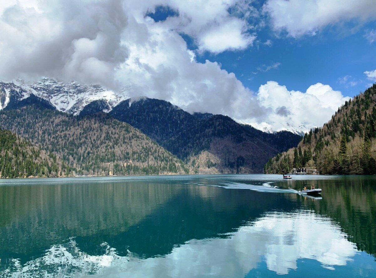 Экскурсионный тур по новогодней Абхазии с выездом из Саратова от 11500 рублей