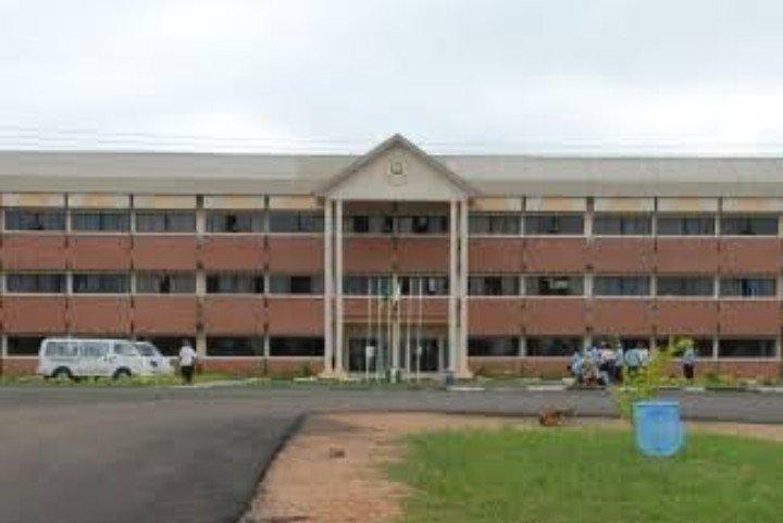 @mzgbeborun Uniosun : The best University In the Universe..