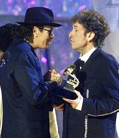 Feb. 23, 2000  Carlos Santana Receives The Award For The Album Of The Year From Bob Dylan During The 42d Annual Grammy Awards In Los Angeles. <br>http://pic.twitter.com/jCFfrvR8T7