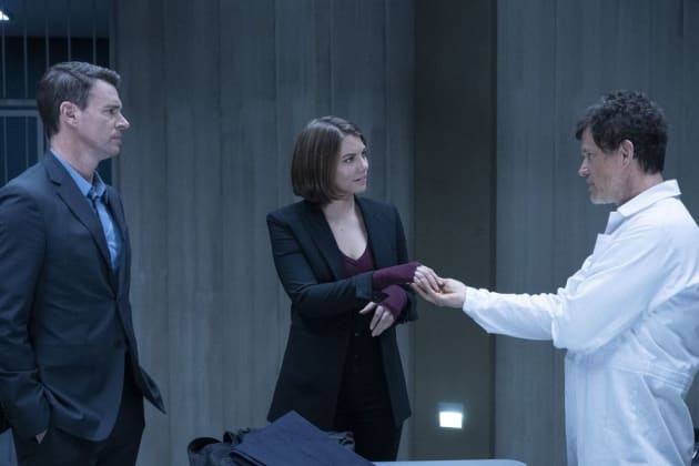 HOT FROM TEAM TVF: #WhiskeyCavalier Season 1 Episode 8 Review: Confessions of a Dangerous Mind http://dlvr.it/R32Qzw  (via @bleuangel88)
