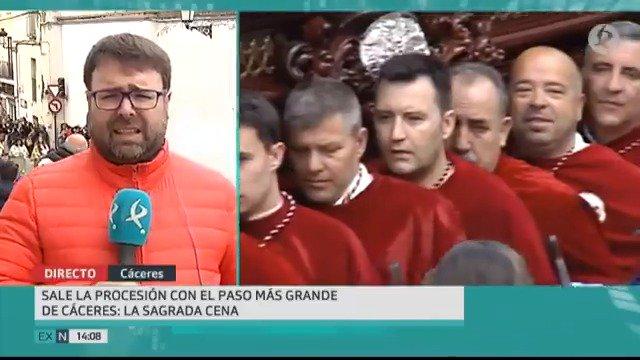 Sorteando la lluvia, la mañana cacereña ha disfrutado de sus procesiones.  🎙️@danicomecaminos  📹@jaimekamaron  #EXN https://t.co/BbkjE4H9FY