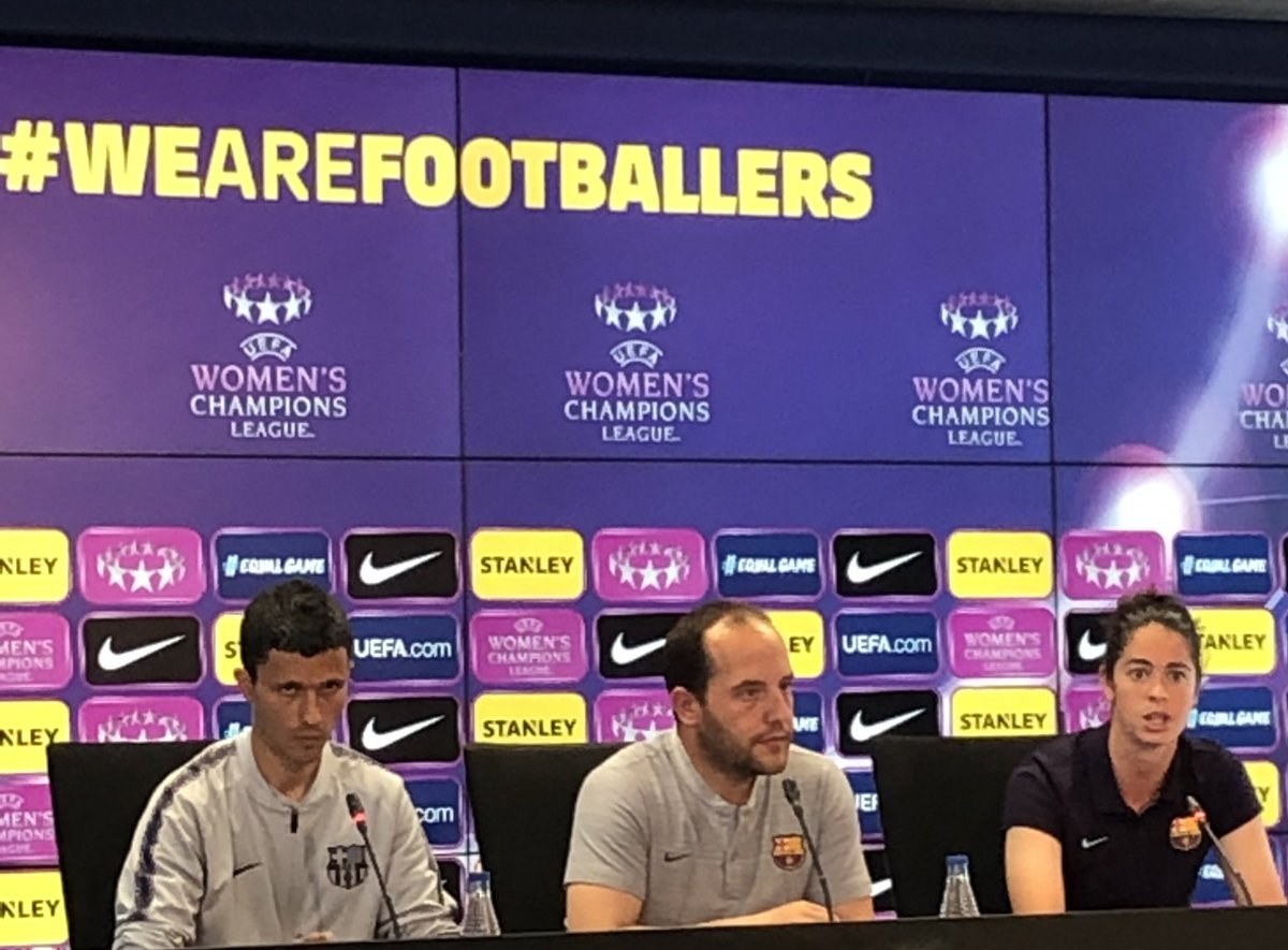 """🎙RDP Lluis Cortés: """"Si consigues marcar fuera de casa consigues mucha ventaja.""""  """"Llegamos en un muy buen momento emocional y mental, físicamente llevamos desgaste en La Liga, pero el factor mental es muy importante.""""  #FCBFemeni #wearefootballers"""