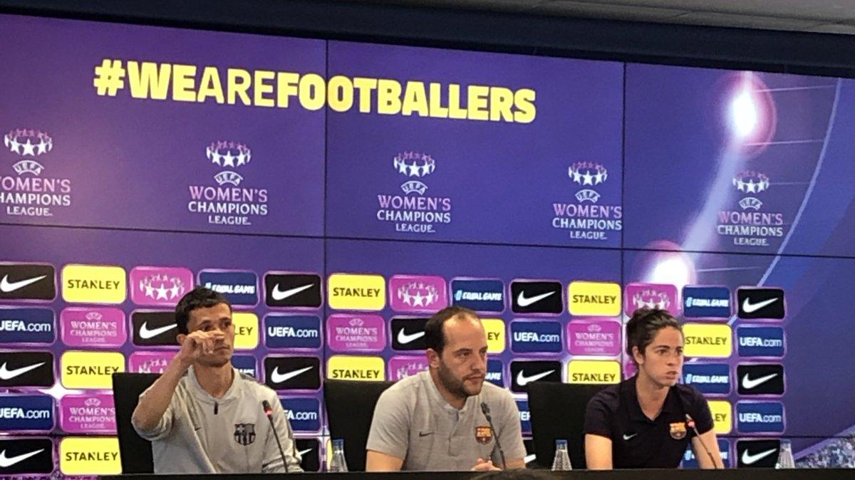 """🎙RDP Lluis Cortés: """"Las lesionadas están trabajando para recuperarse lo antes posible; en este aspecto no tenemos prisa, vamos dia a día.""""  """"A Múnich vamos a viajar todas.""""  #FCBFemeni #wearefootballers"""