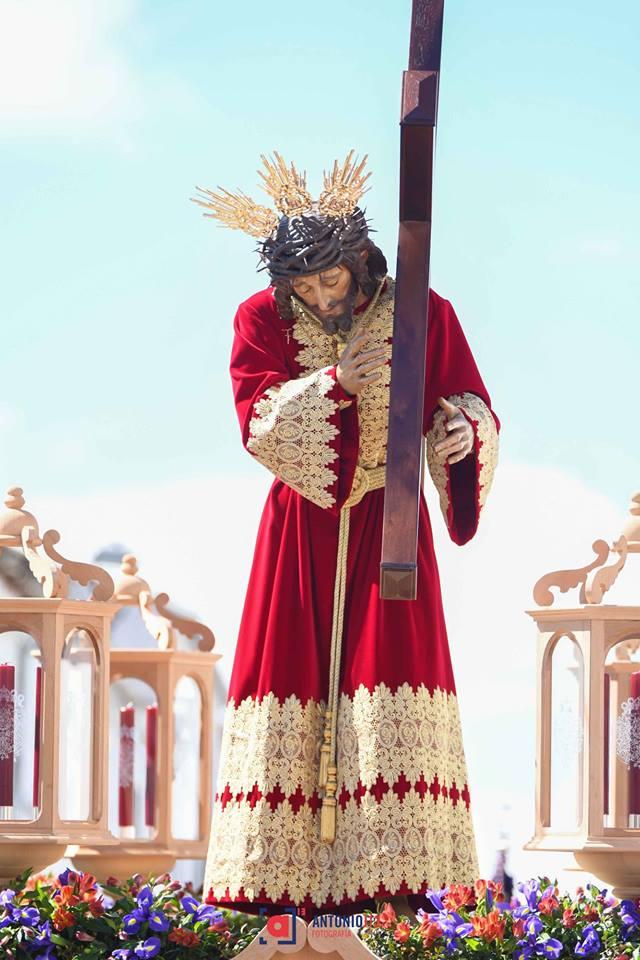 En breves momentos hará su salida procesional por las calles de #VillanuevadeCórdoba la Hermandad de Nuestro Padre Jesús, el recorrido se ha tenido que acortar debido a la previsión de lluvia. ¡Feliz Estación de Penitencia!Semana Santa De Andalucía.Declarada de Interés Turístico