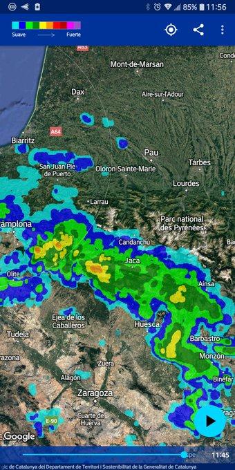 Frente  con precipitaciónes ascendiendo de sur a norte, que va a afectar al Pirineo en breve. Ningún modelo lo ha visto. Veremos cuánta agua deja.