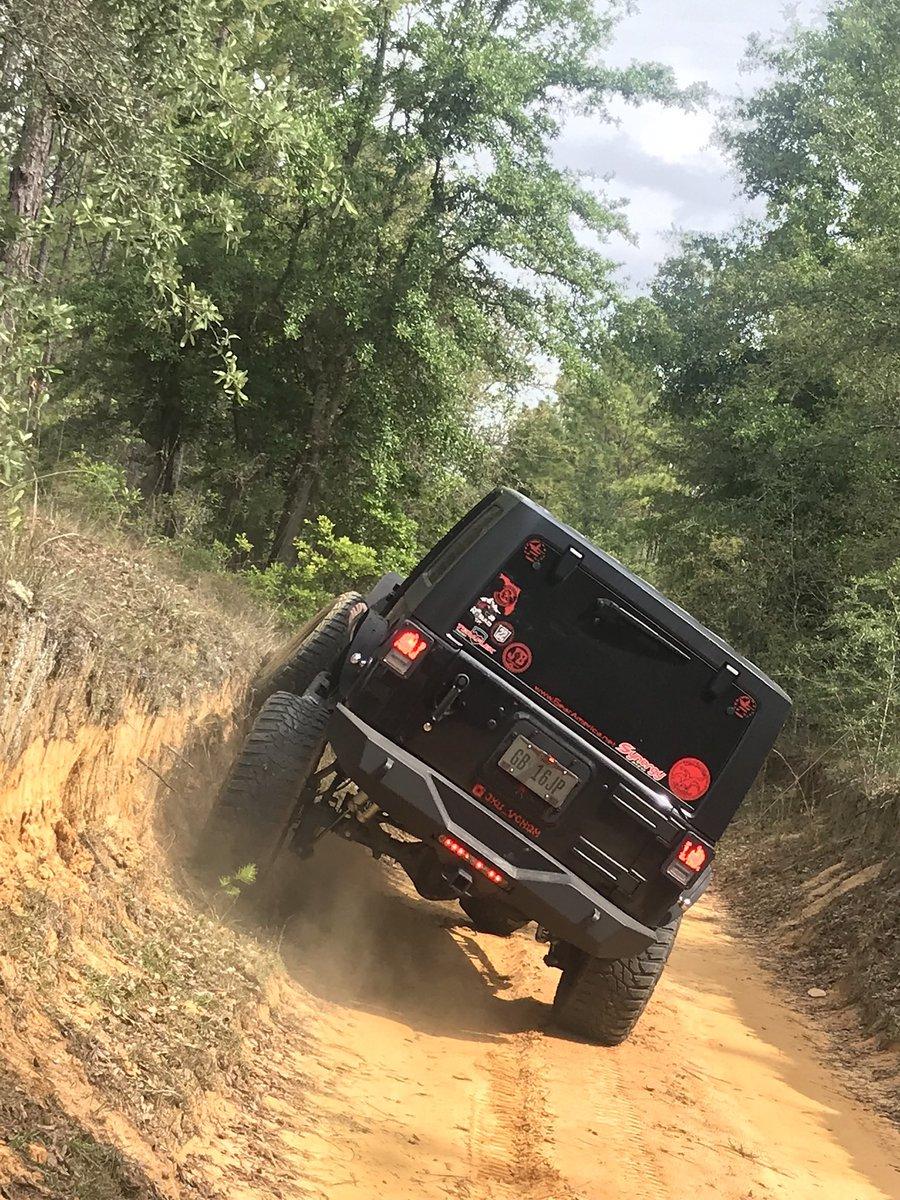 Riding the wall of life trying to break the box!   O|||||||O  #jeep #jeeplife #jeepmafia #wrangler #blackjeepofthefamily #trailready #jeepbuilds #jeepnation  #jeepers #jeeplove #jeepwrangler #jeepwave #jku #offroad #offroading #offroadnation #jeepbeef #GearAmericaBrand<br>http://pic.twitter.com/rhMljZIfI0