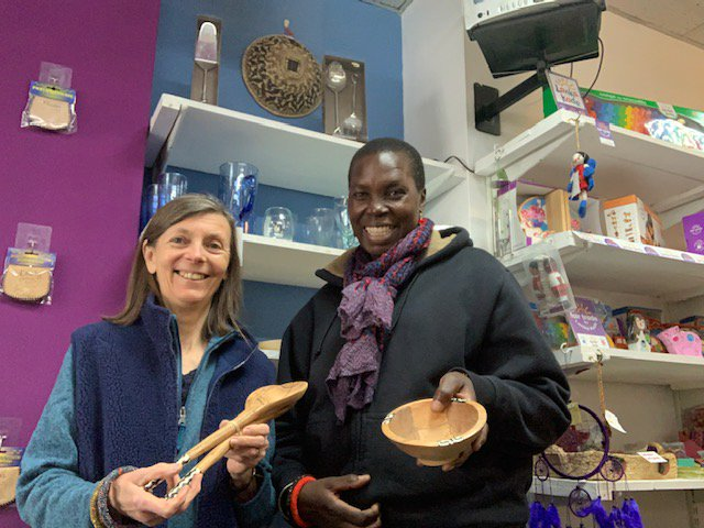test Twitter Media - Hyfryd i weld Leah Mitula @denurcrafts yn y siop heddiw. Lovely to have Leah with us this week, bringing lots of nice crafts and jewellery from Kenya. https://t.co/fIPRSsWY8d