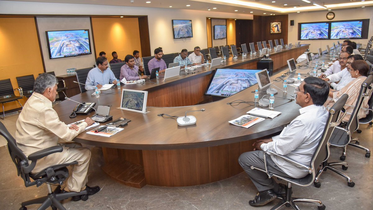 Reviewed the progress of CRDA works. Completing trunk infrastructure construction along with beautification of roads and highways is of utmost priority. A strong road network in @PrajaRajadhani will pave the way for development on all fronts.<br>http://pic.twitter.com/vzdaPGNt0c